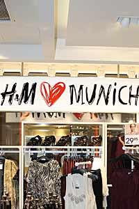 Einkaufsstraßen In München Weinstr 08 Hm Store Mode Conscious